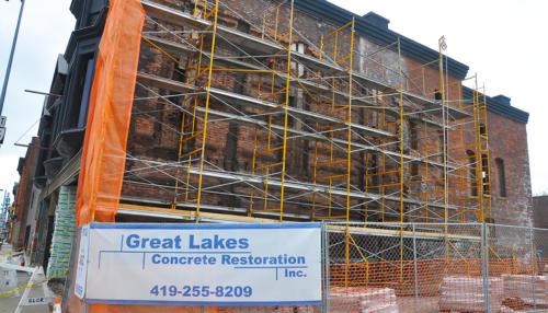 Great Lakes Concrete Monroe Downtown Toledo Building scaffolding wall repair (1)